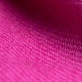 Violet cashmere scarf in twill weave