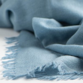 Dove blue shawl in handwoven cashmere