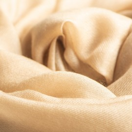 Sand coloured giant shawl in cashmere 200 x 140 cm