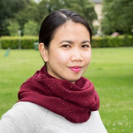 Burgundy flecked cashmere snood