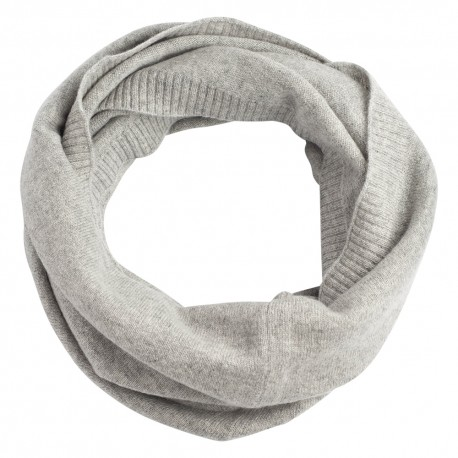 Grey snood knitted in pure cashmere